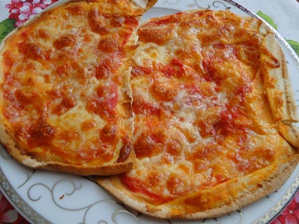 pizza_margarita_varhu_arabska_pitka