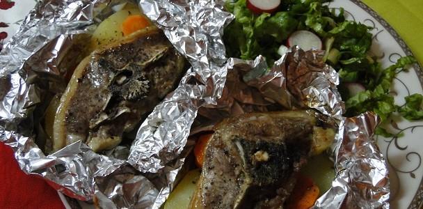 agneshki-kotleti-na-furna-s-kartofi-i-morkovi