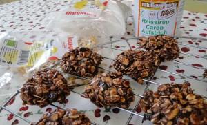 sladki-s-mjusli-ikrem-ot-rojkov-bez-pechene