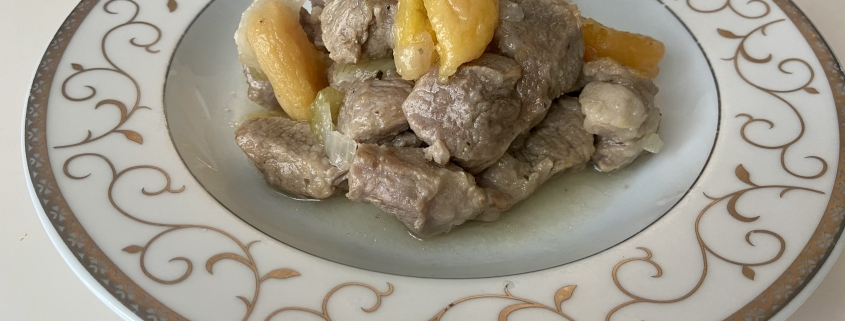 свинско-със-сушени-кайсии