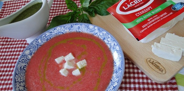 studena-supa-s-rozovi-domati